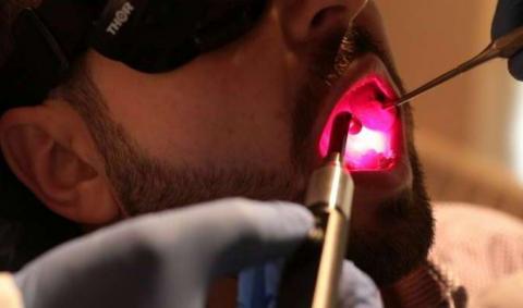 Светотерапия способна заменить опиаты при лечении осложнений терапии рака