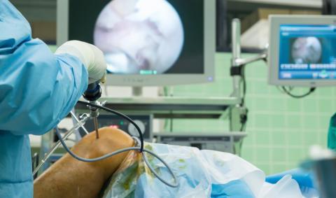 Операция при бурсите коленного сустава